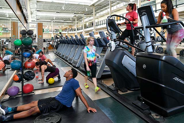 Students exercise in the Pohl Recreation Center
